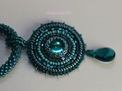 Kette embroidered türkis detail